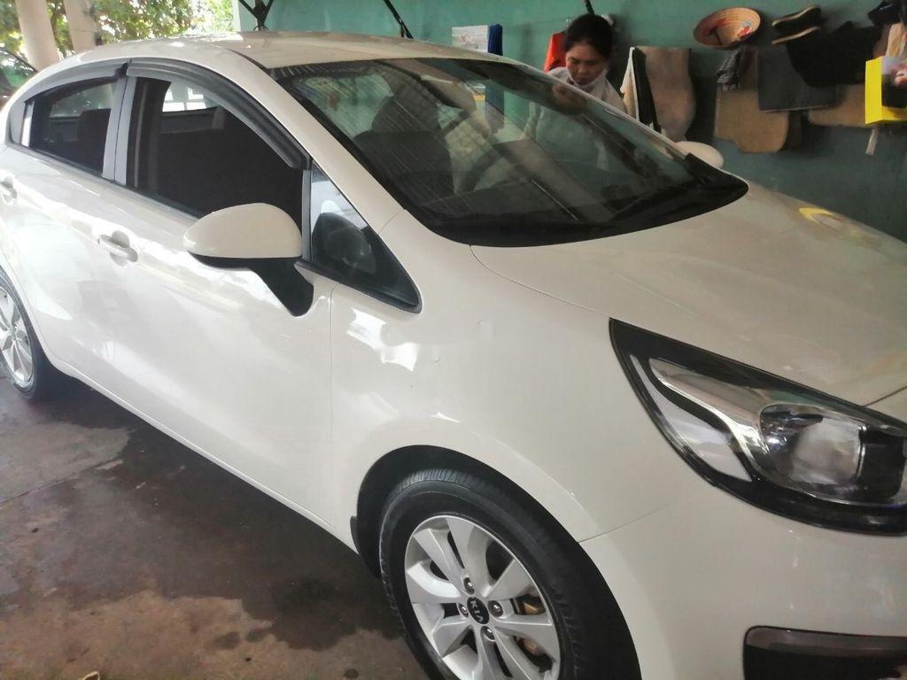 Bán lại xe Kia Rio sản xuất năm 2016, màu trắng, nhập khẩu số sàn, 325 triệu (1)
