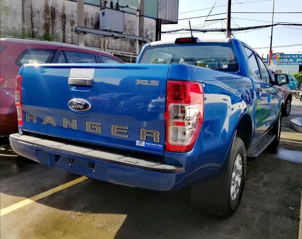 Bán Ford Ranger XLS 4x2 AT 2.2 năm 2020, màu xanh lam, nhập khẩu, mới 100% (2)