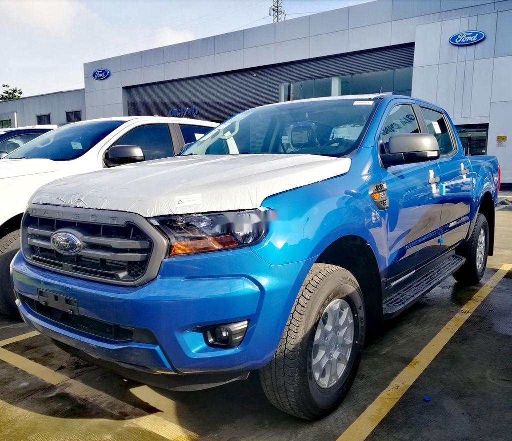 Bán Ford Ranger XLS 4x2 AT 2.2 năm 2020, màu xanh lam, nhập khẩu, mới 100% (4)