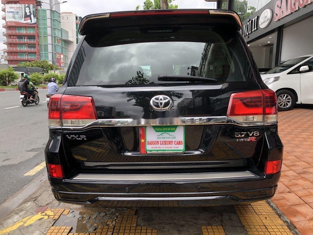 Bán Toyota Land Cruiser đời 2018, màu đen, siêu hiếm, cực chất (9)