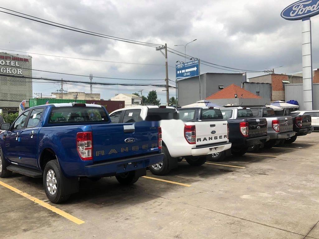 Bán Ford Ranger XLS 4x2 AT 2.2 năm 2020, màu xanh lam, nhập khẩu, mới 100% (7)