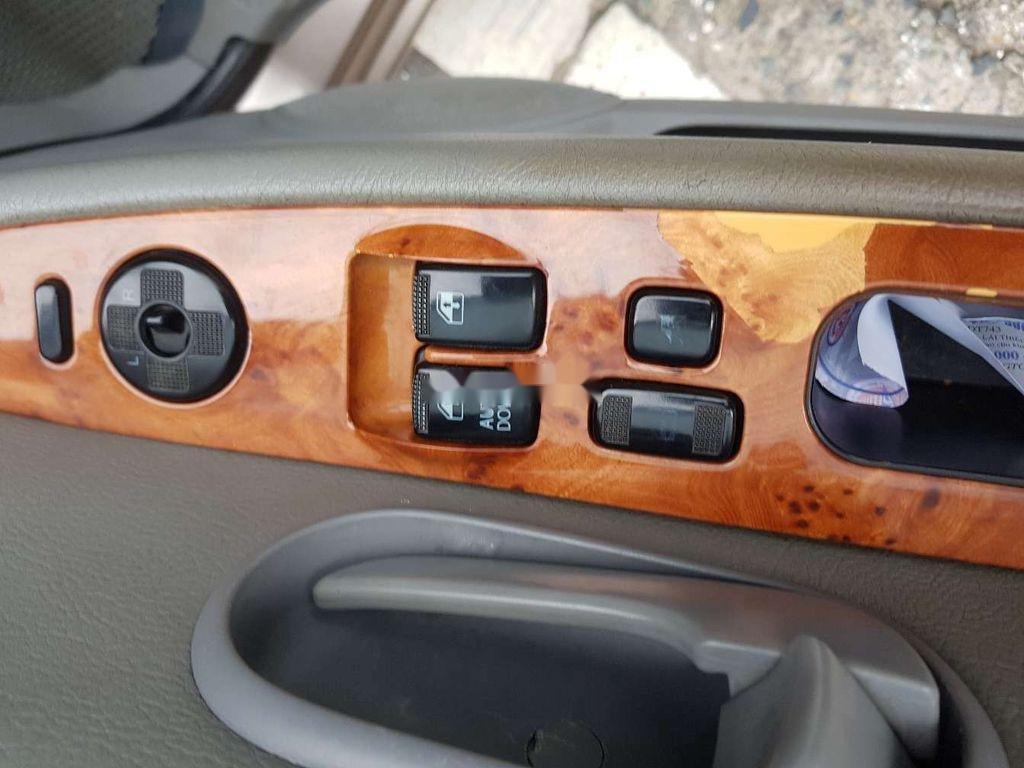 Xe Kia Carnival sản xuất năm 2009, nhập khẩu nguyên chiếc còn mới (5)