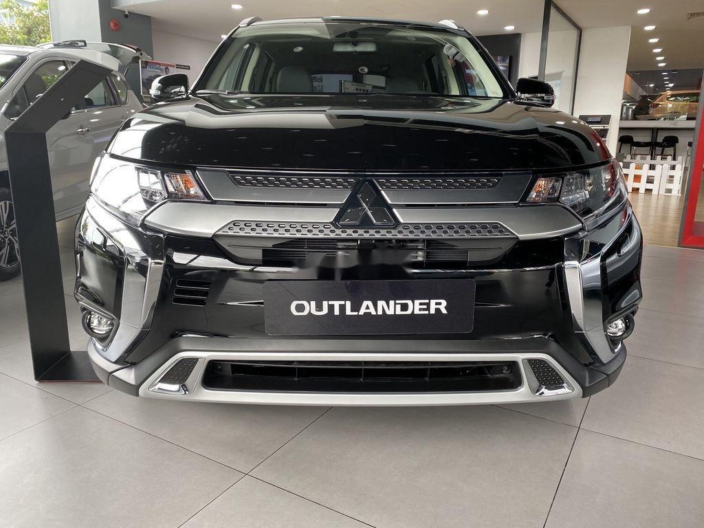 Bán xe Mitsubishi Outlander sản xuất năm 2020, màu đen, mới hoàn toàn (5)