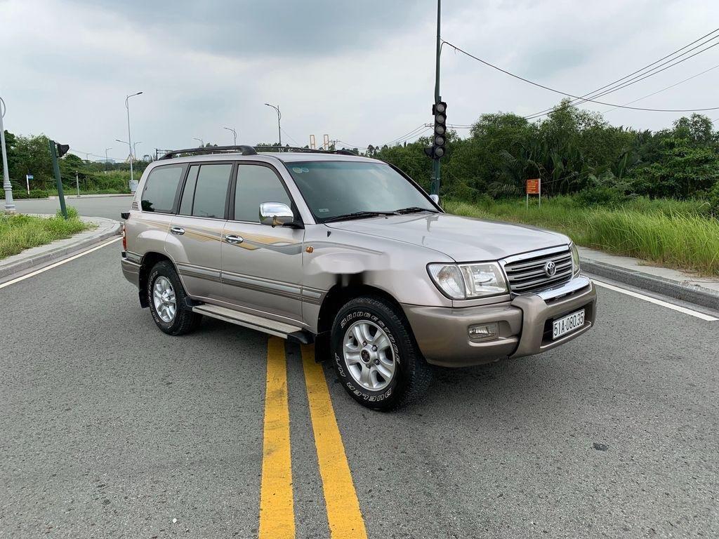 Cần bán lại xe Toyota Land Cruiser 2004, màu bạc (4)