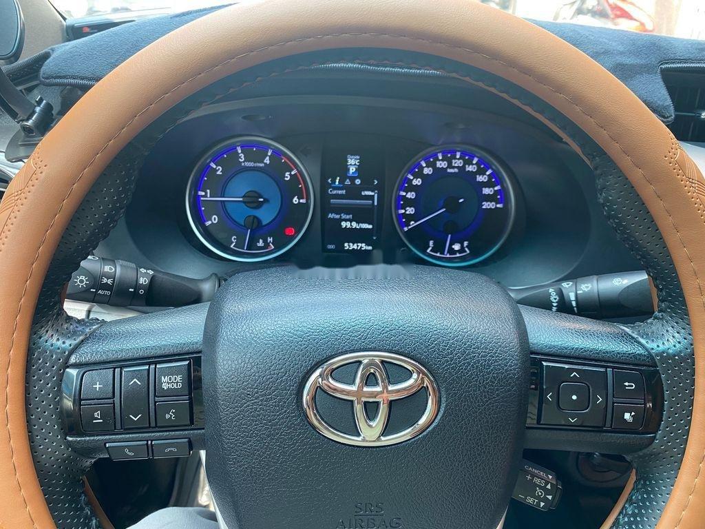 Bán Toyota Hilux 3.0G năm sản xuất 2016, màu đỏ, xe nhập   (10)