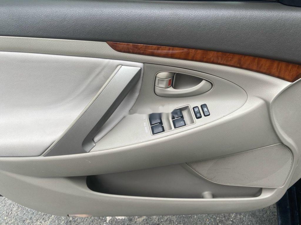 Bán Toyota Camry đời 2011, màu đen số tự động (7)