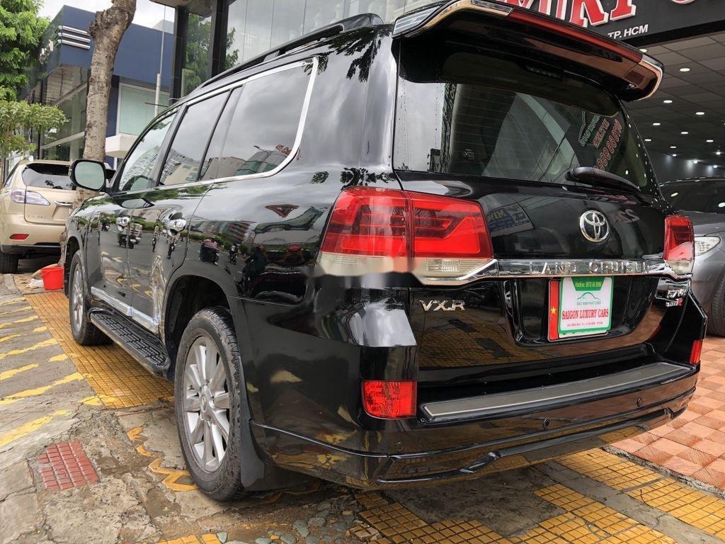 Bán Toyota Land Cruiser đời 2018, màu đen, siêu hiếm, cực chất (8)