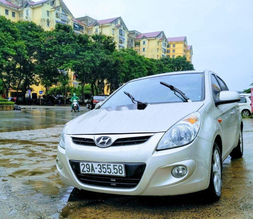 Cần bán xe Hyundai i20 đời 2011, màu bạc, xe nhập (3)
