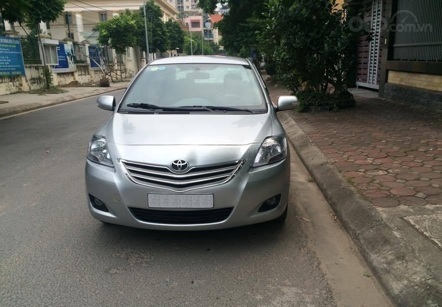 Cô Xuân cần bán Vios 1.5E 2013 màu bạc, biển Hà Nội (1)