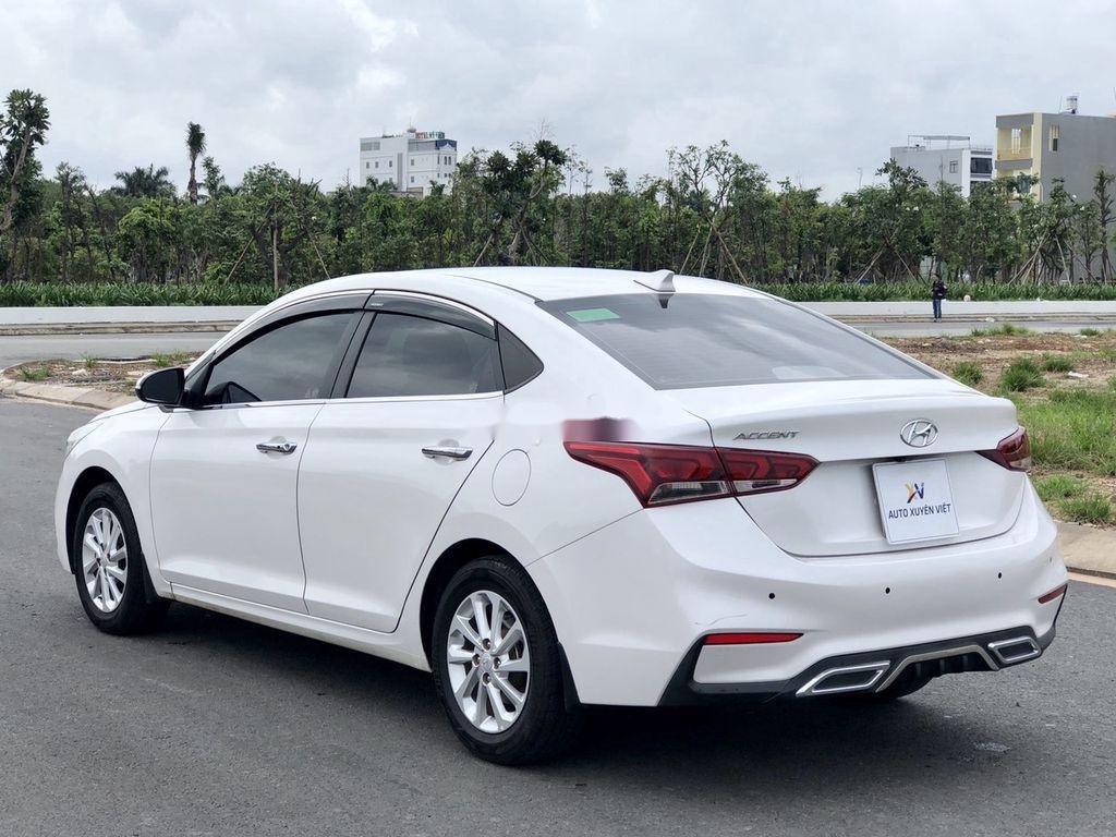 Bán xe Hyundai Accent 2019, màu trắng (6)