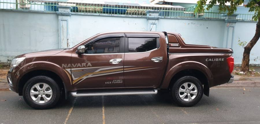 Chính chủ cần bán Nissan Navara Premium EL đời 2019, màu nâu (1)