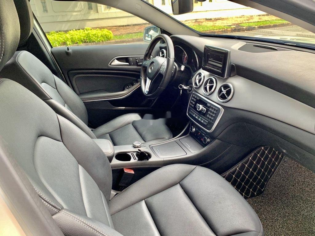 Cần bán gấp Mercedes GLA200 sản xuất năm 2015, màu trắng, xe nhập (5)