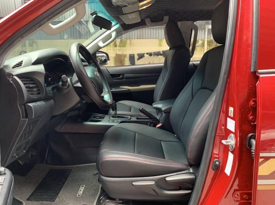 Bán Toyota Hilux 2019, màu đỏ, nhập khẩu, số tự động, giá tốt (12)