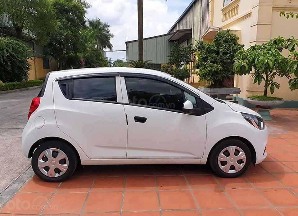 Cần bán Chevrolet Spark LS 1.2 MT 2018, màu trắng còn mới (1)