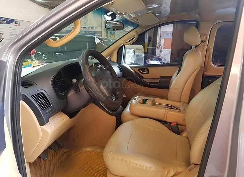 Cần bán gấp Hyundai Grand Starex 2.5 MT năm 2012, màu xám, xe nhập còn mới, giá 330tr (2)