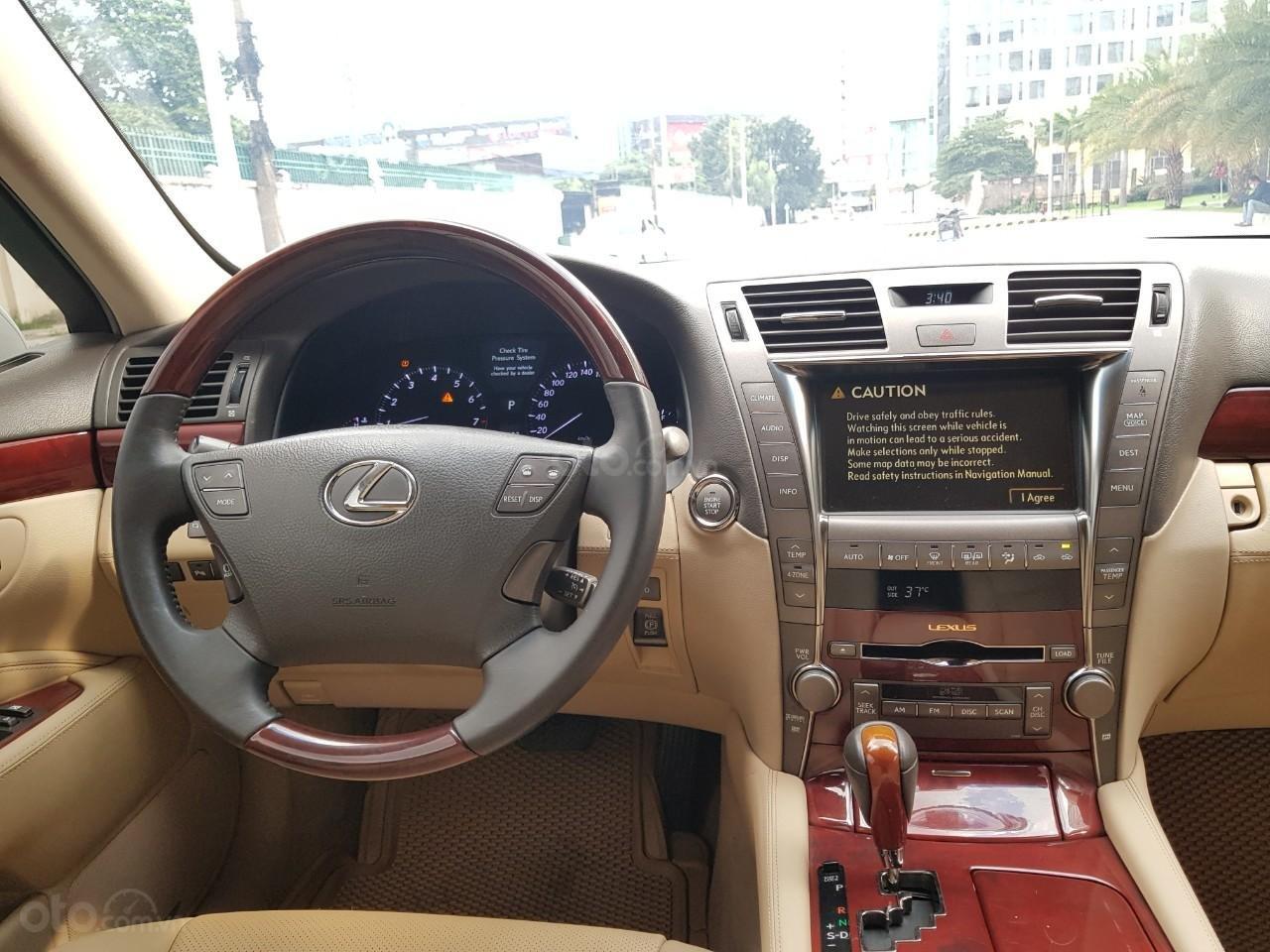 Bán xe Lexus LS 460L đời 2007, xe biển SG đẹp, màu trắng (10)