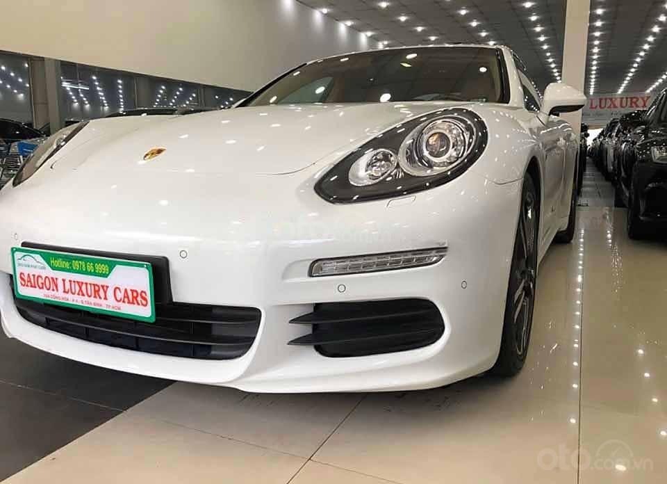 Xe Porsche Panamera 4S đời 2015, màu trắng, nhập khẩu nguyên chiếc   (1)