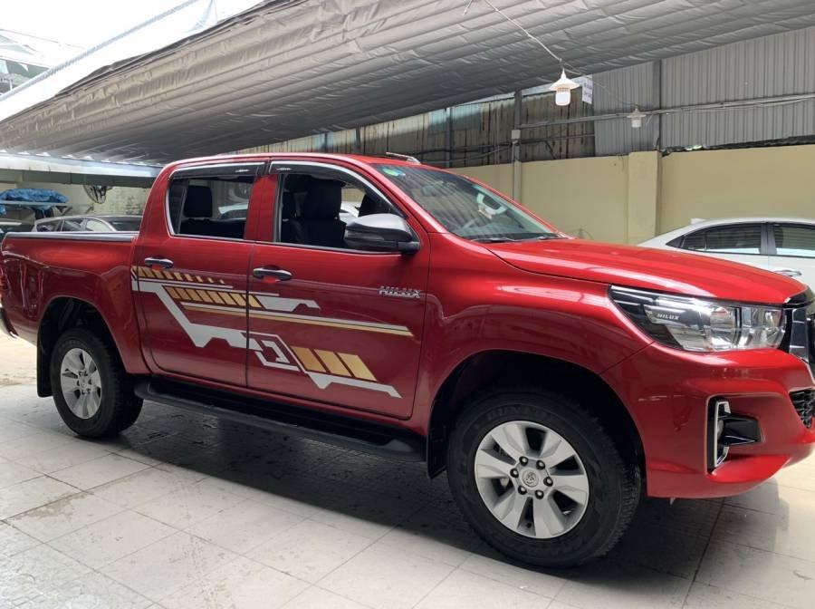 Bán Toyota Hilux 2019, màu đỏ, nhập khẩu, số tự động, giá tốt (14)