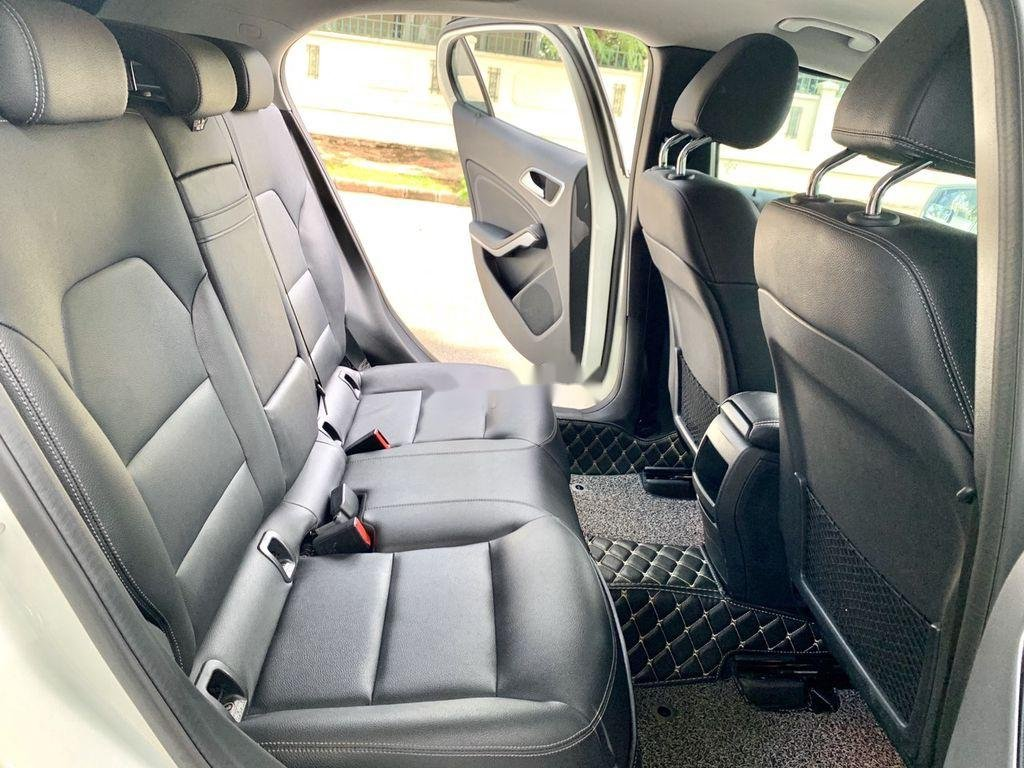Cần bán gấp Mercedes GLA200 sản xuất năm 2015, màu trắng, xe nhập (6)