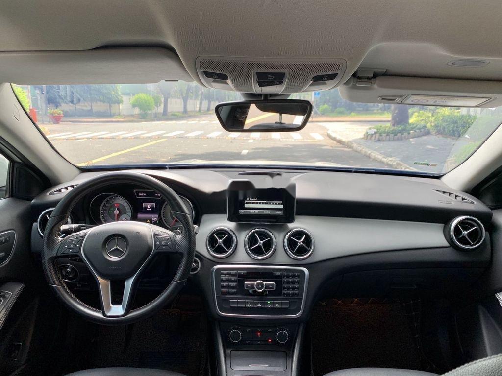 Cần bán gấp Mercedes GLA200 sản xuất năm 2015, màu trắng, xe nhập (4)