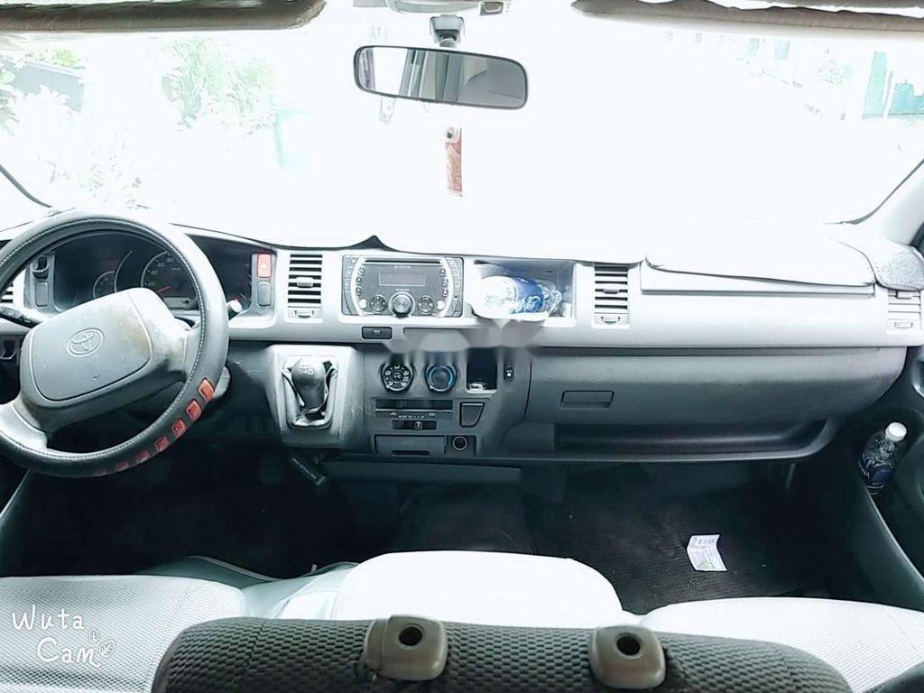 Cần bán Toyota Hiace 2010 màu xanh, 310 triệu (5)