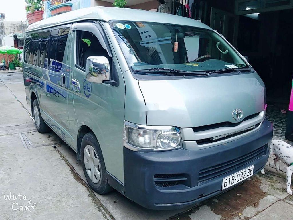 Cần bán Toyota Hiace 2010 màu xanh, 310 triệu (2)