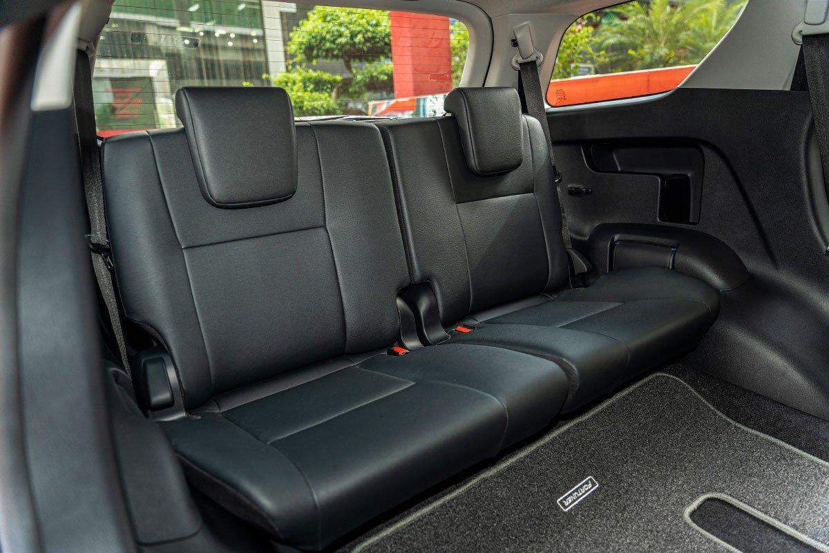 Thiết kế nội thất của Toyota Fortuner 6.