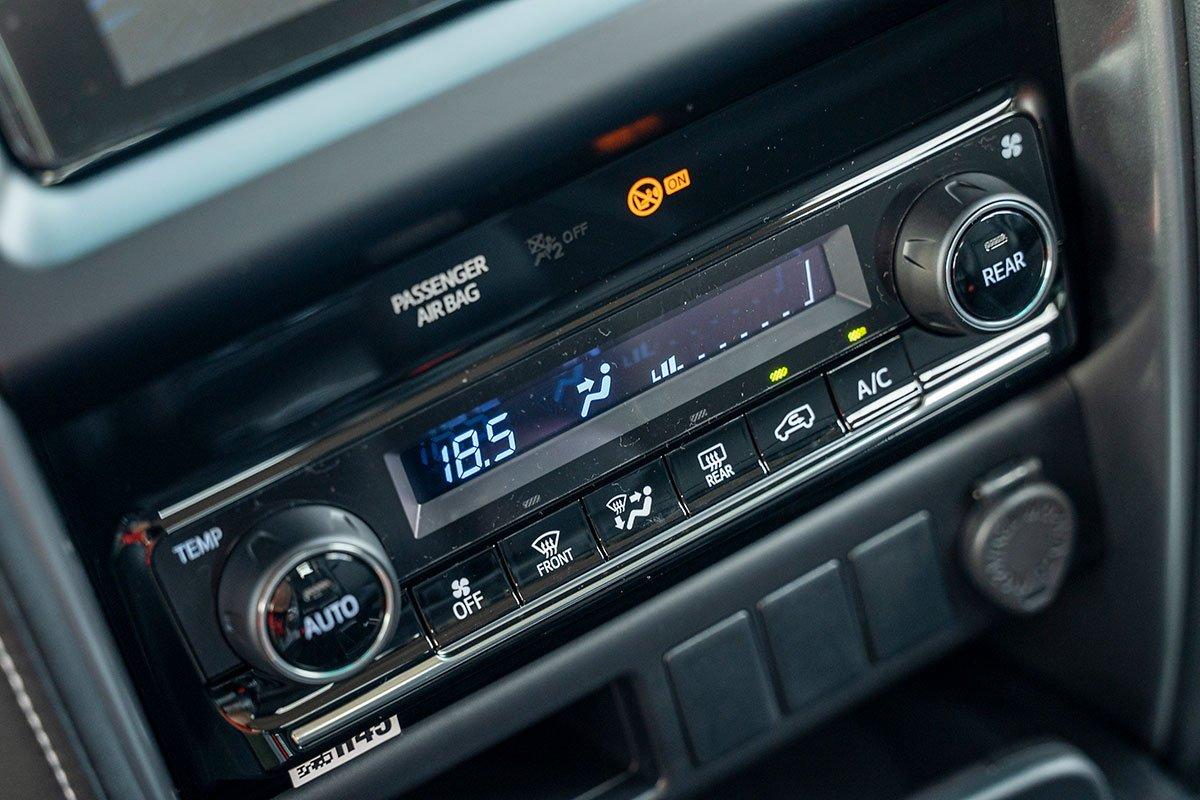 Thiết kế nội thất của Toyota Fortuner 3.
