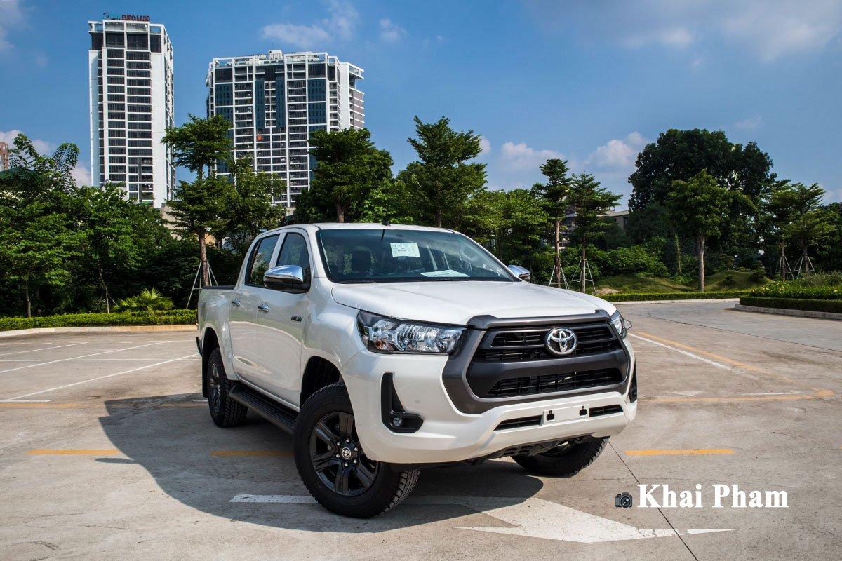 Ảnh Tổng quát xe Toyota Hilux 2020