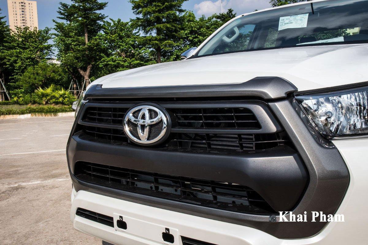 Ảnh Lưới tản nhiệt xe Toyota Hilux 2020
