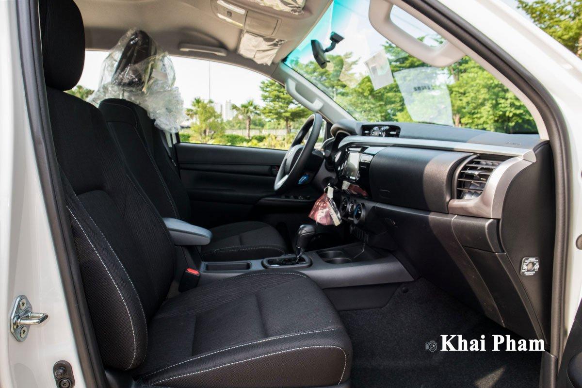 Ảnh Ghế phụ xe Toyota Hilux 2020
