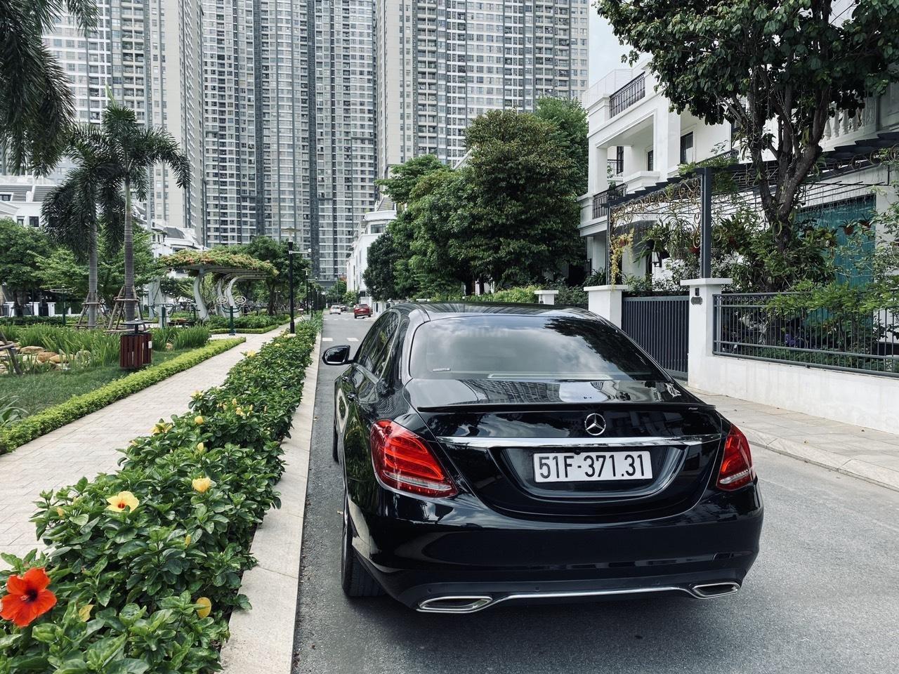 Mercedes C200 sx 2015, đk 2016, màu đen, nội thất kem (4)
