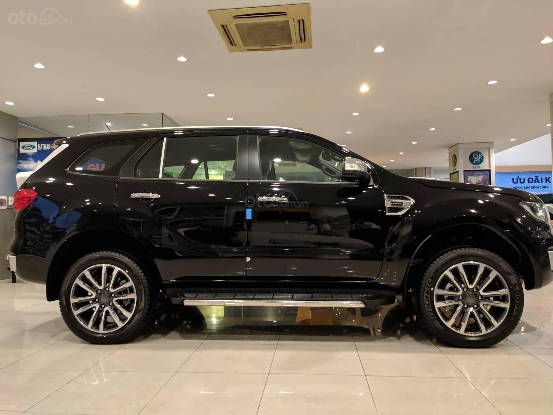 Ford Everest 2020 Titanium 4x2 giá tốt nhất, đủ màu giao ngay (4)