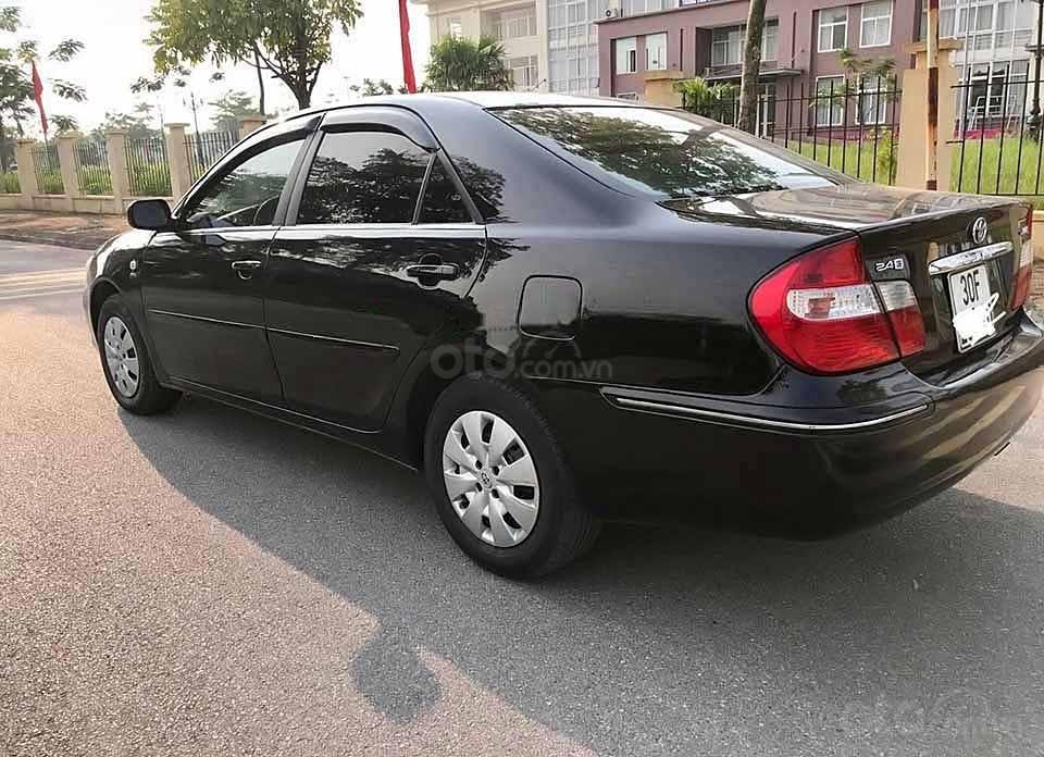 Cần bán xe Toyota Camry năm 2003, màu đen, xe nhập  (1)