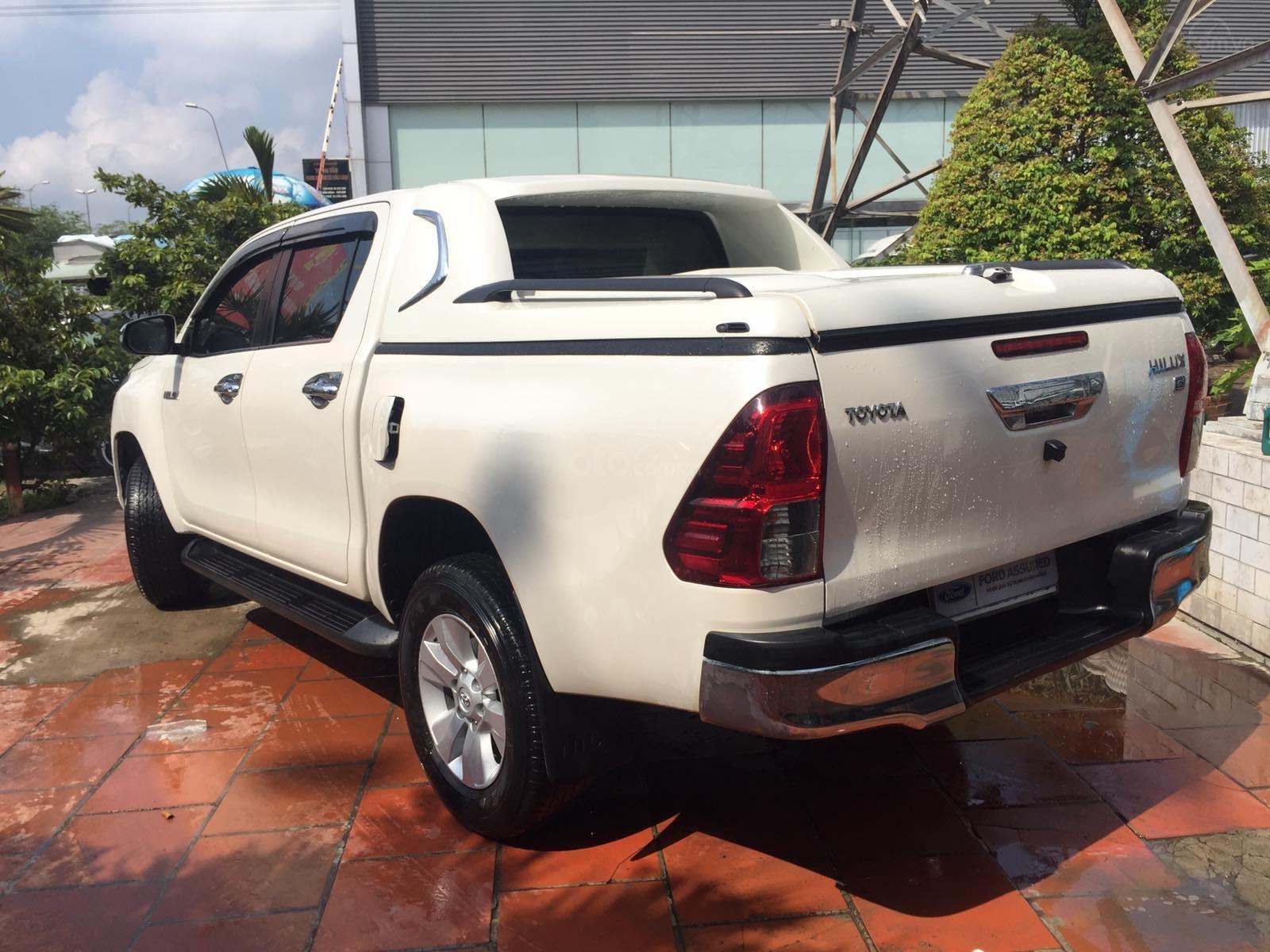 Toyota Hilux 2.8G 4x4 2017, xe bán hãng bảo hành 1 năm (2)