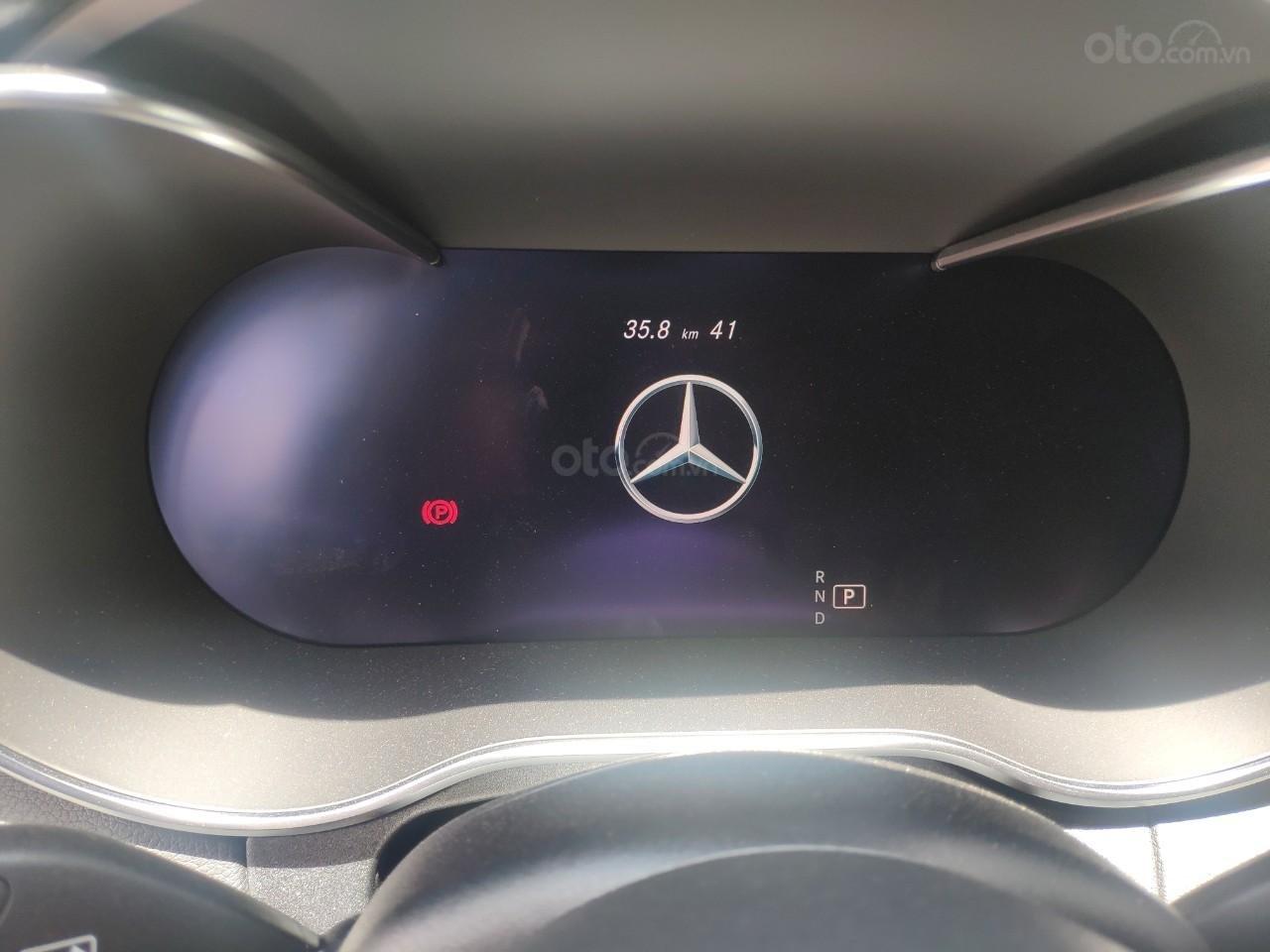 Mercedes C300 siêu lướt mới lăn bánh chỉ 41km (6)