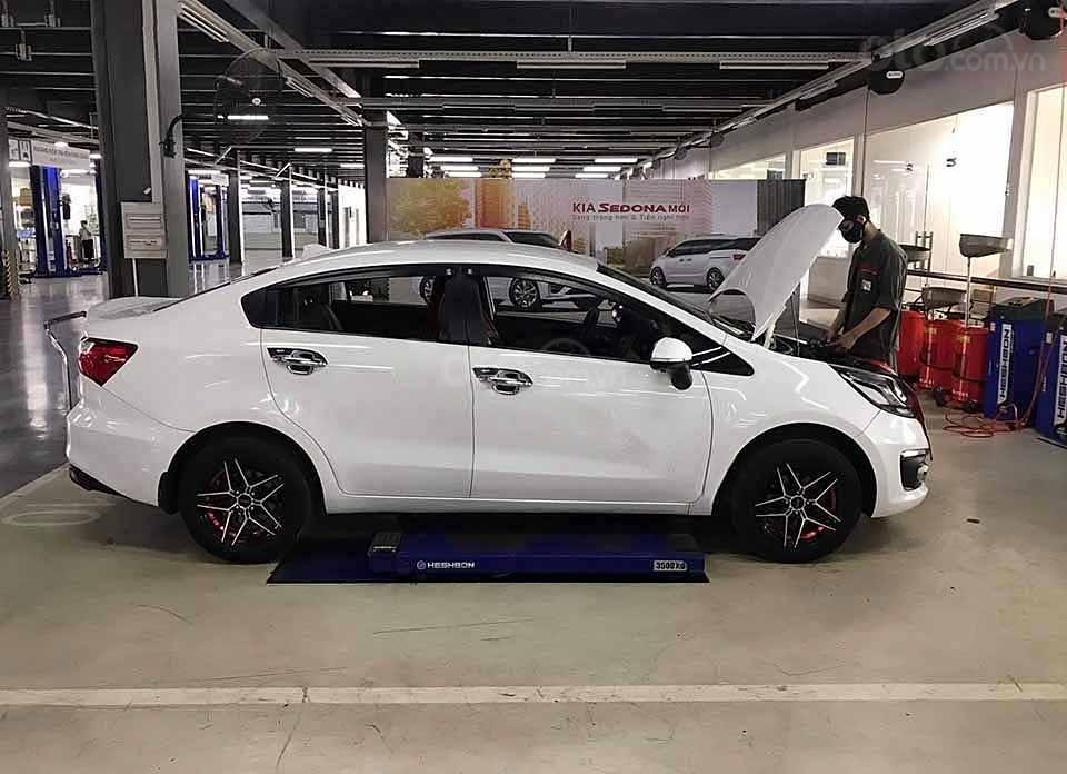Bán lại xe Kia Rio 1.4 AT năm sản xuất 2016, màu trắng, nhập khẩu   (4)