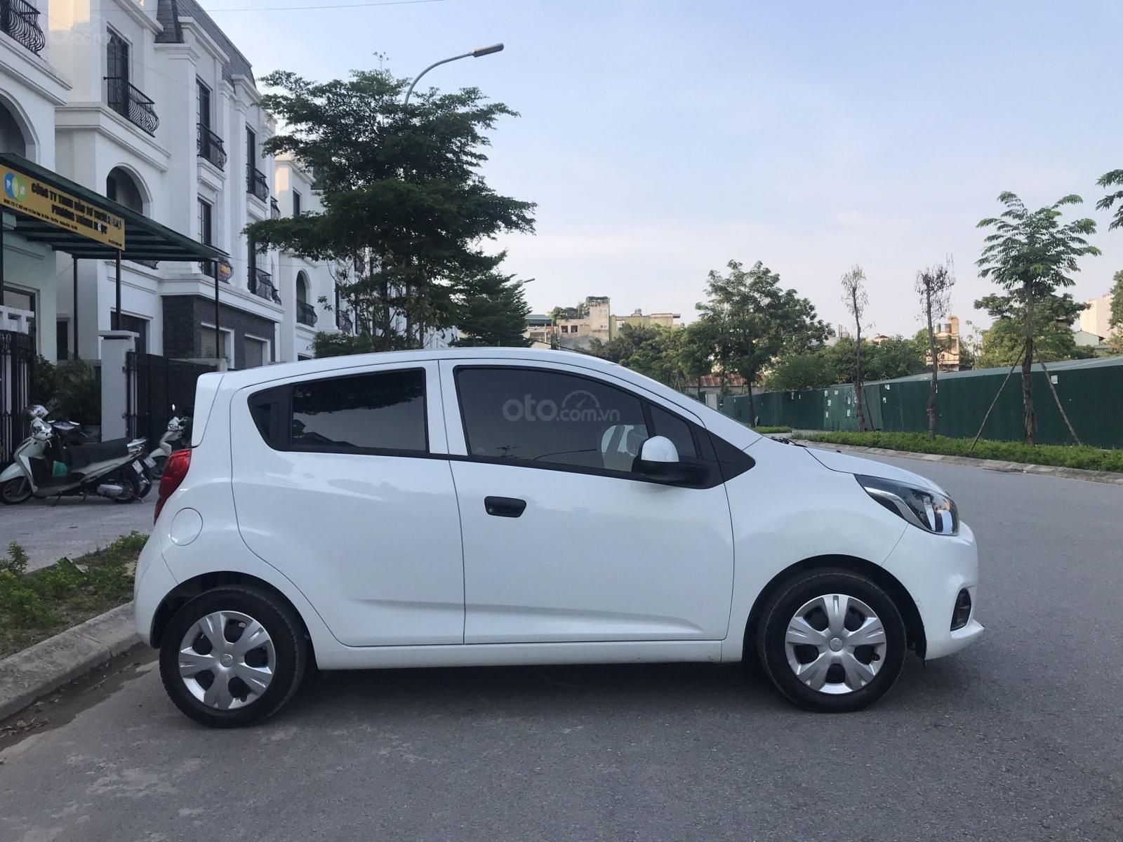 Cần bán gấp Chevrolet Spark đời 2018, màu trắng, rất mới, đi chuẩn 26.000 km (5)
