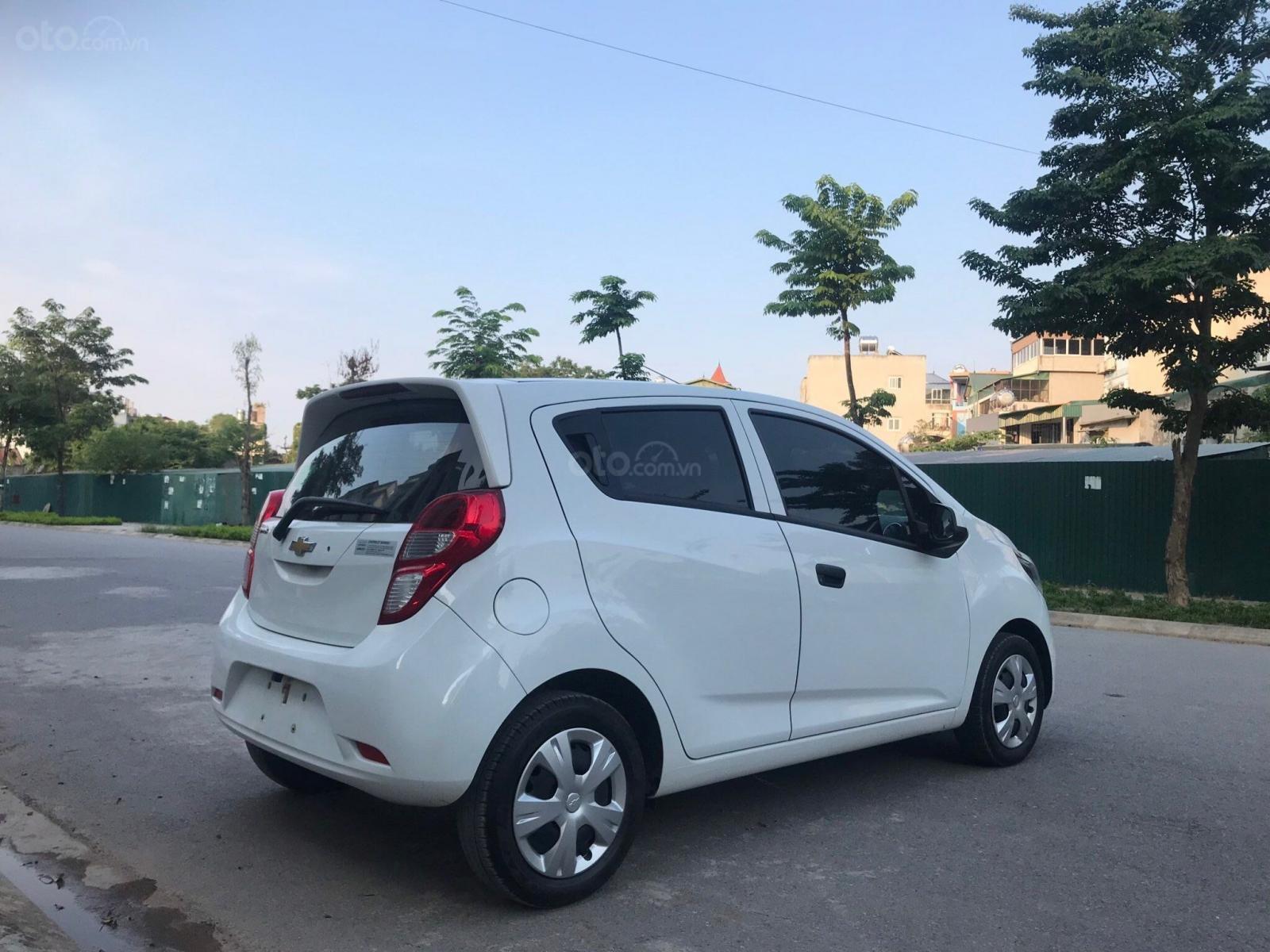 Cần bán gấp Chevrolet Spark đời 2018, màu trắng, rất mới, đi chuẩn 26.000 km (7)
