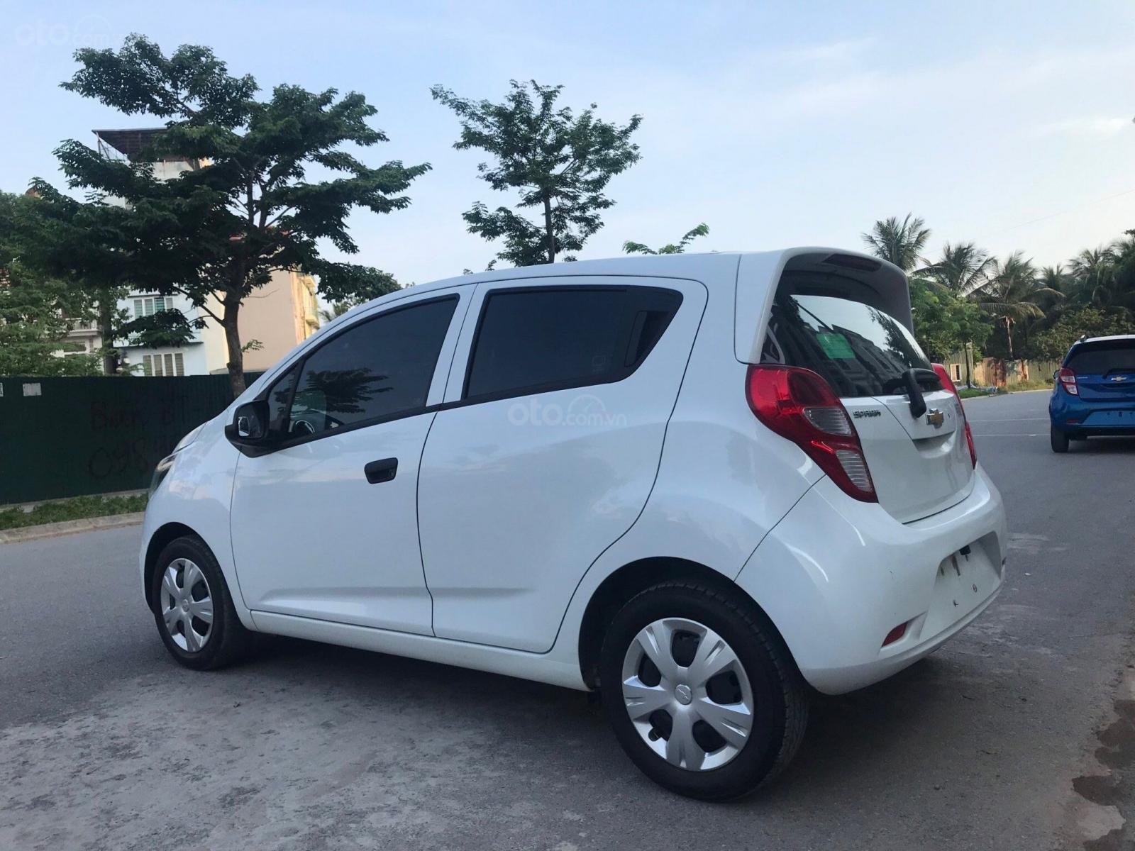 Cần bán gấp Chevrolet Spark đời 2018, màu trắng, rất mới, đi chuẩn 26.000 km (8)