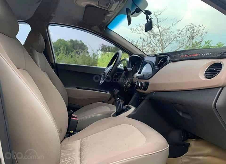 Bán xe Hyundai Grand i10 sản xuất năm 2017, màu bạc, nhập khẩu (4)