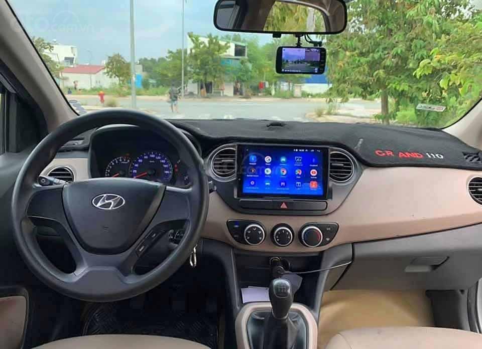 Bán xe Hyundai Grand i10 sản xuất năm 2017, màu bạc, nhập khẩu (2)