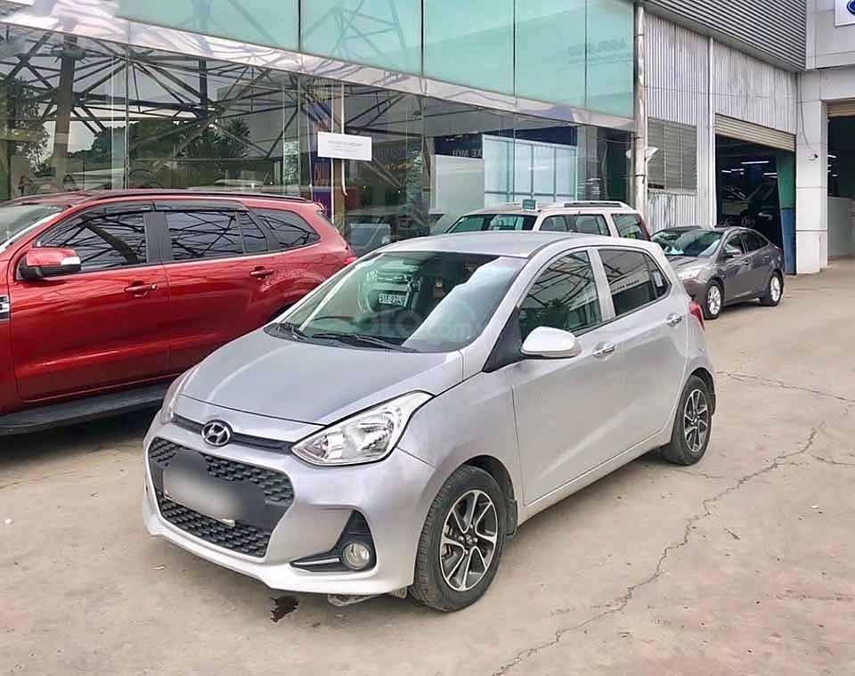 Cần bán Hyundai Grand i10 sản xuất 2017, màu bạc, xe nhập   (1)