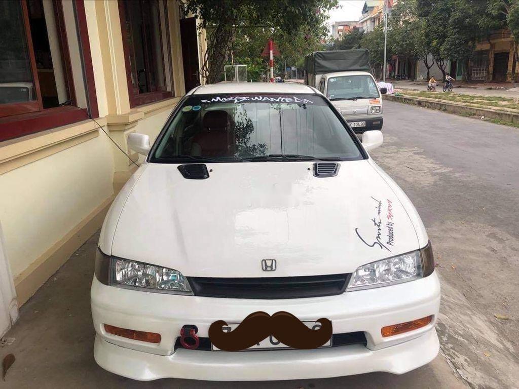 Cần bán lại xe Honda Accord sản xuất năm 1994, màu trắng, nhập khẩu, giá 150tr (2)