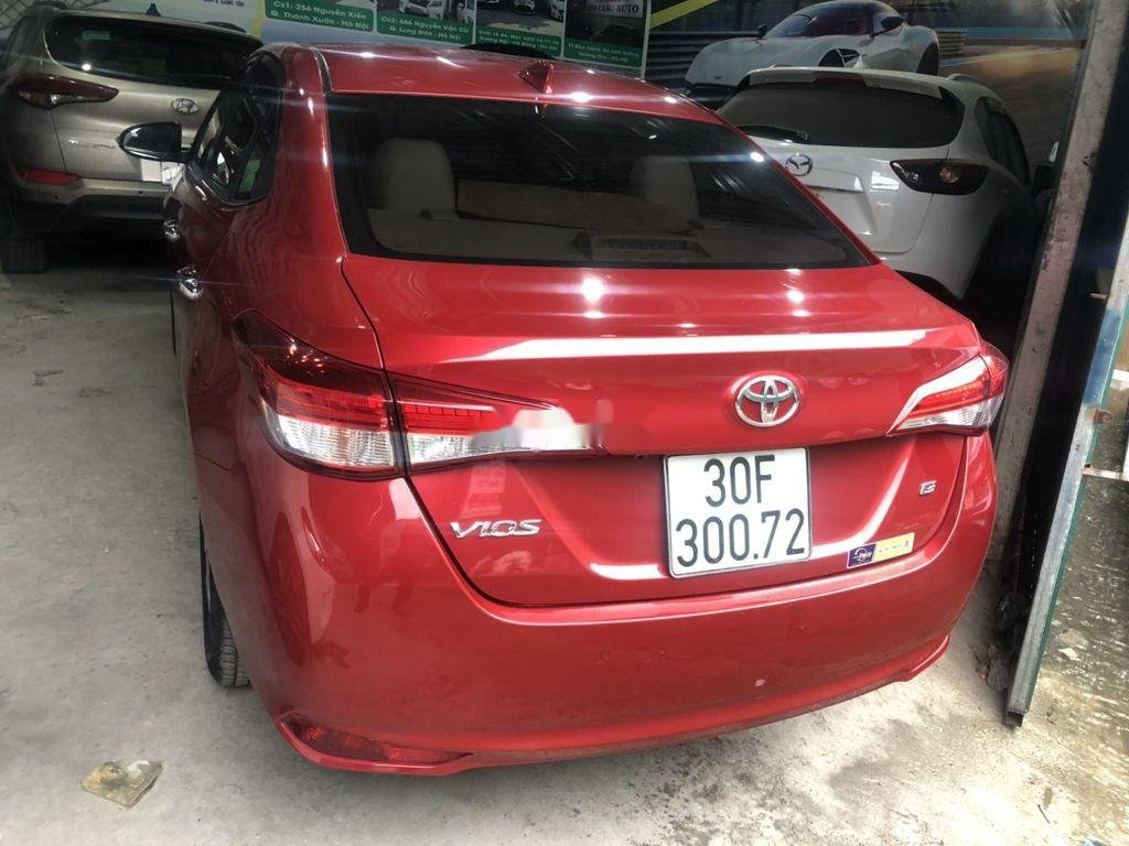 Cần bán xe Toyota Vios sản xuất 2018, màu đỏ còn mới (4)
