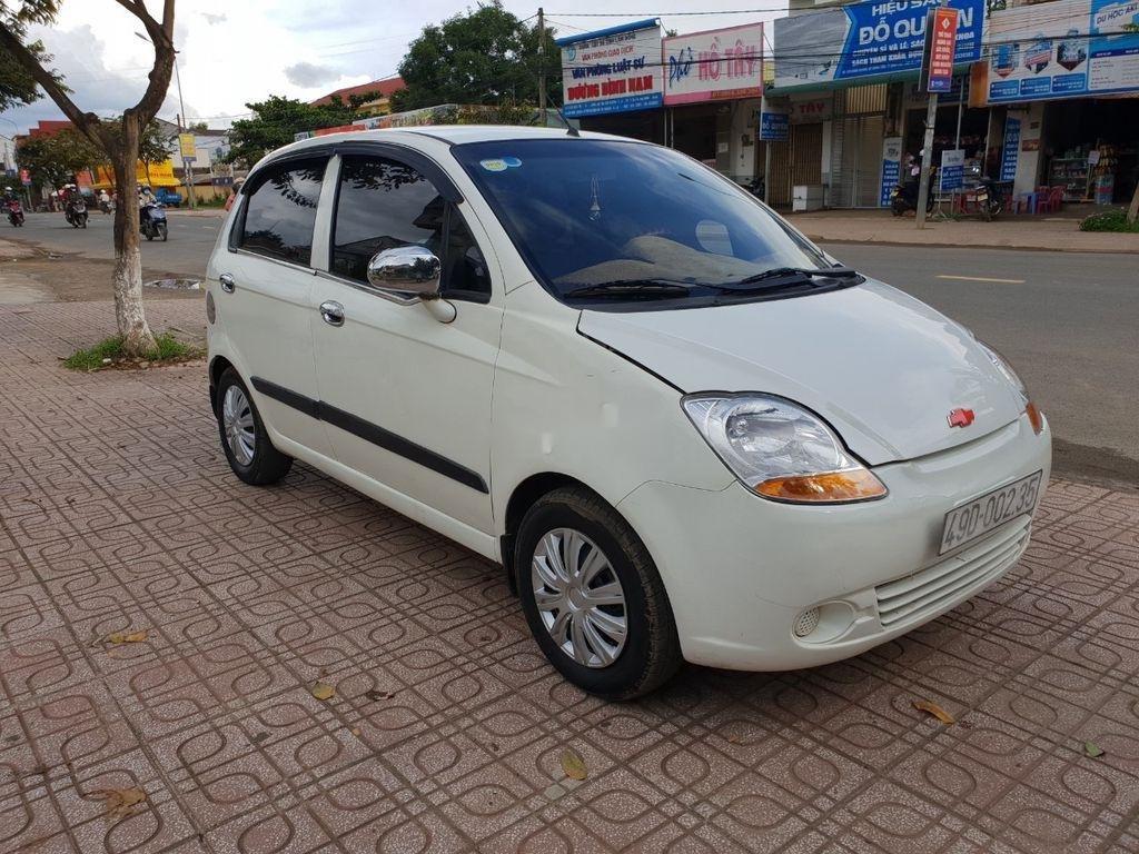 Cần bán xe Chevrolet Spark năm sản xuất 2010, màu trắng (2)