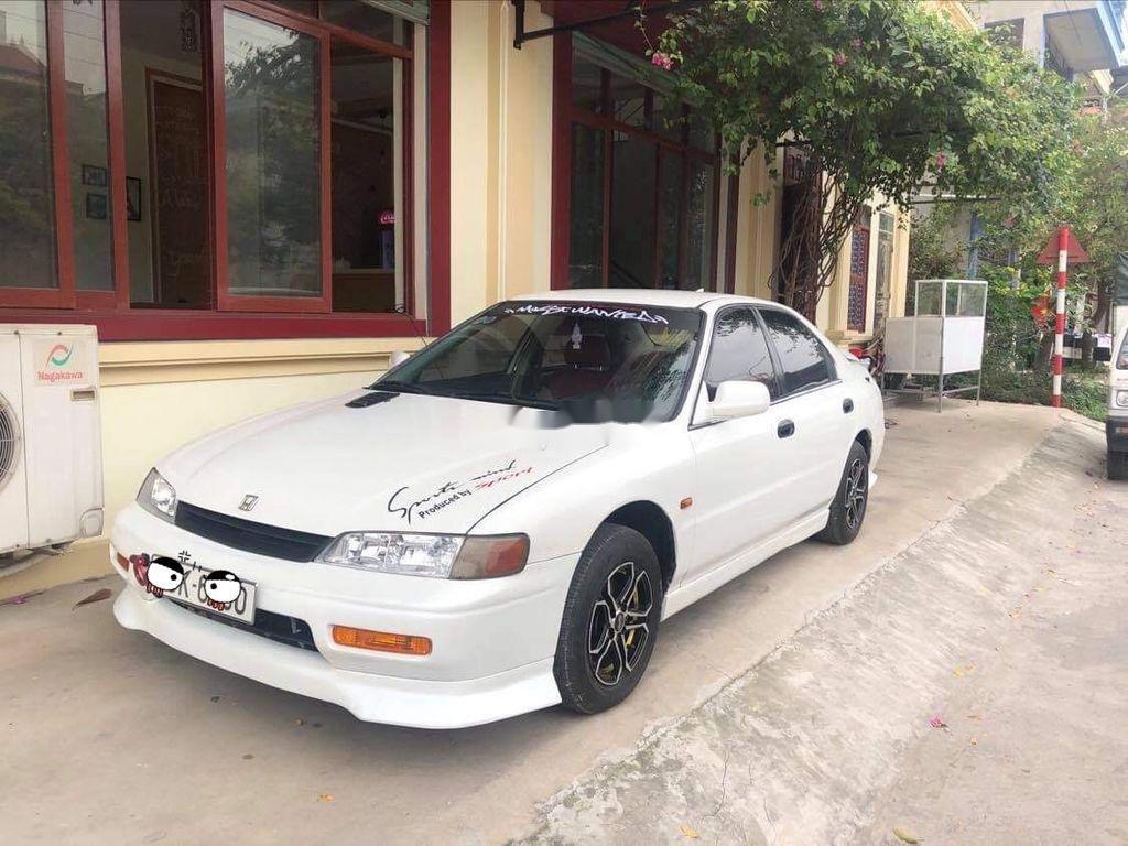 Cần bán lại xe Honda Accord sản xuất năm 1994, màu trắng, nhập khẩu, giá 150tr (3)