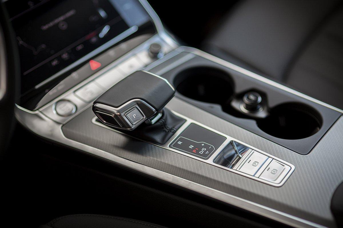 Nội thất xe Audi A6 3.