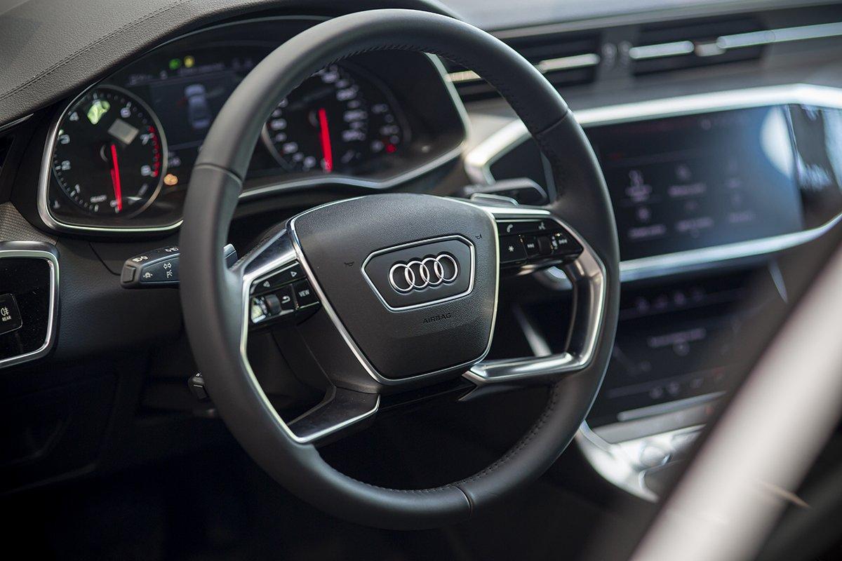 Nội thất xe Audi A6 1.