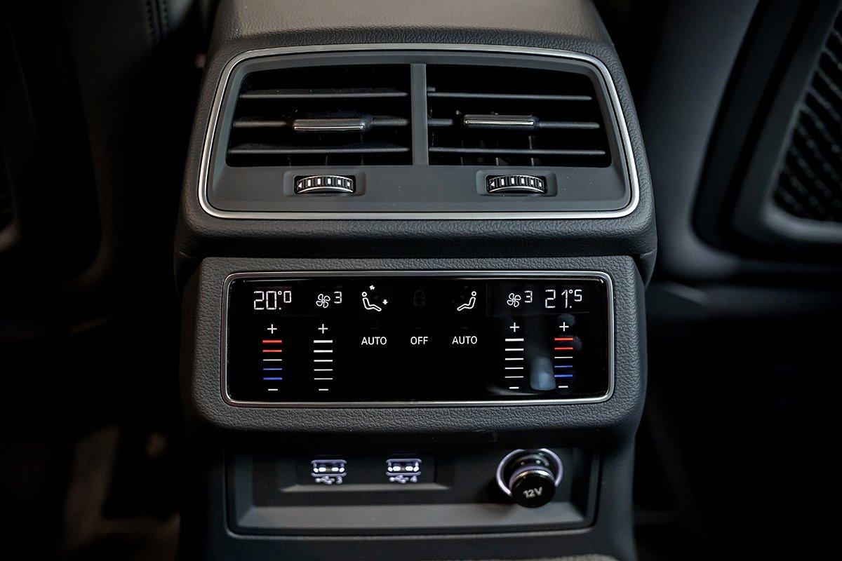 Nội thất xe Audi A6 2.